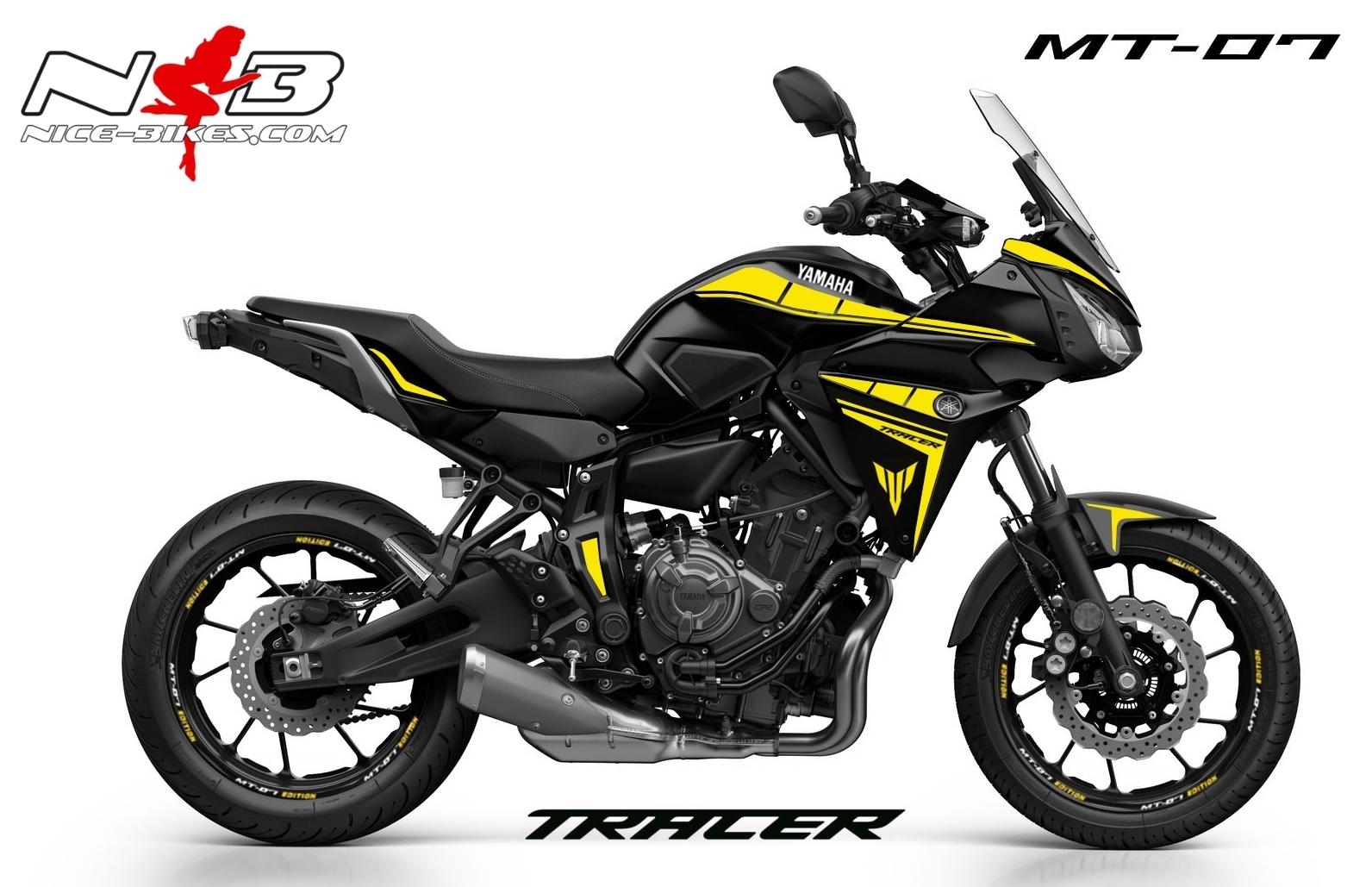 MT07 Tracer gelb auf schwarzer Maschine