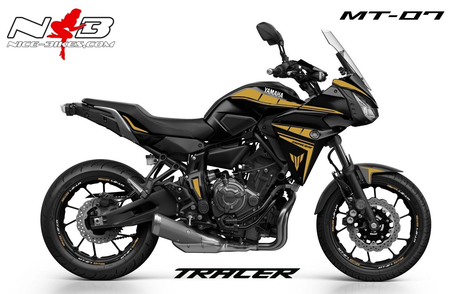MT07 Tracer gold auf schwarzer Maschine