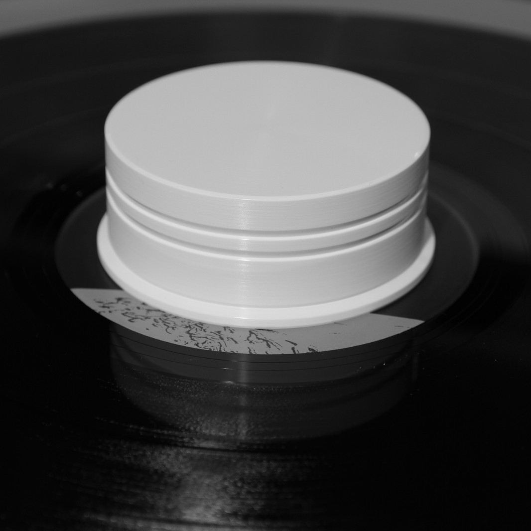 180g Vinyl Record Puck DELTA DEVICE white