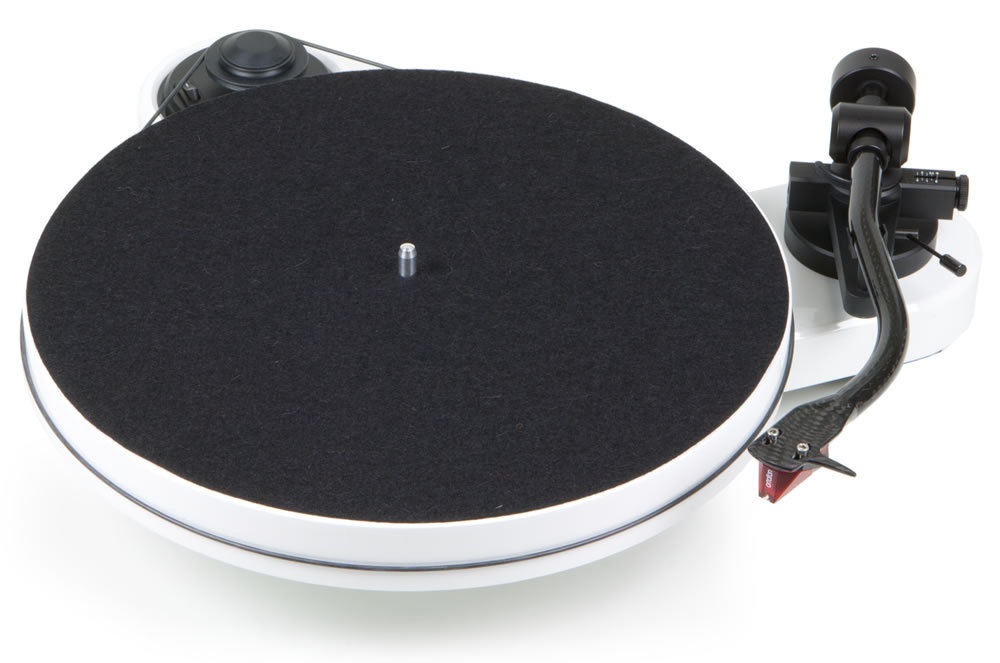 Pro-Ject RPM 1 Carbon turntable with Ortofon 2M Red