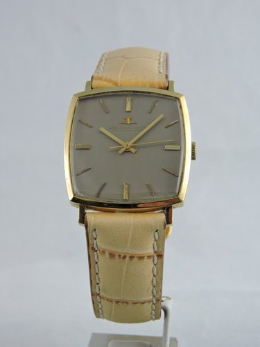 1960s Jaeger LeCoultre 18k manual watch