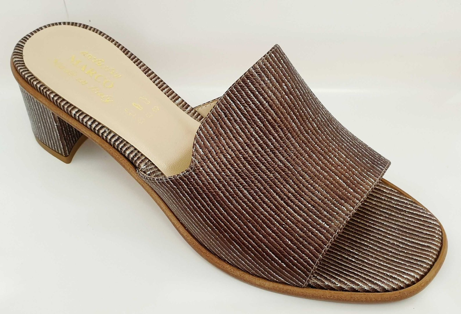 A 3265 Monterey Taupe (5cm)