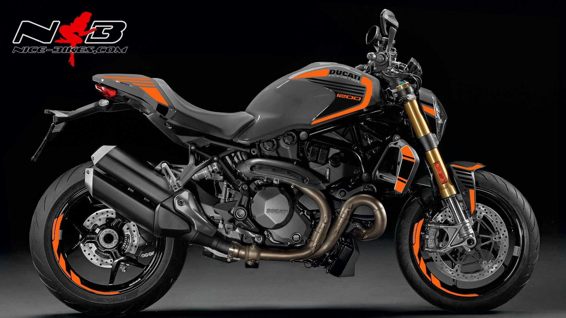 Monster 1200 orange auf grauer Maschine
